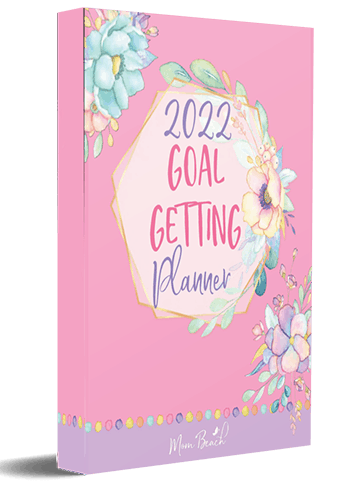 This is a mock up image of the Goal Planner that you get if you sign up for the Mom Beach newsletter.