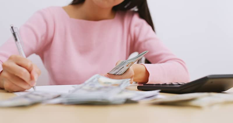 woman budgeting her finances