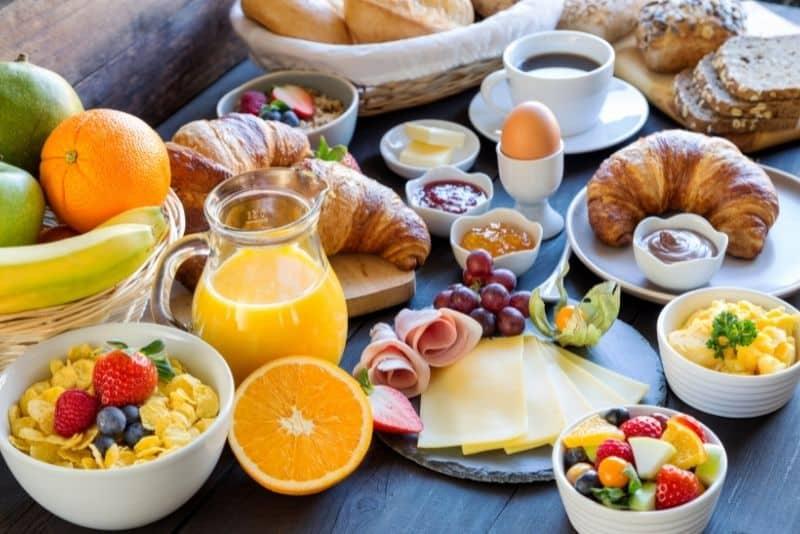 Frugal breakfast meal planning ideas.