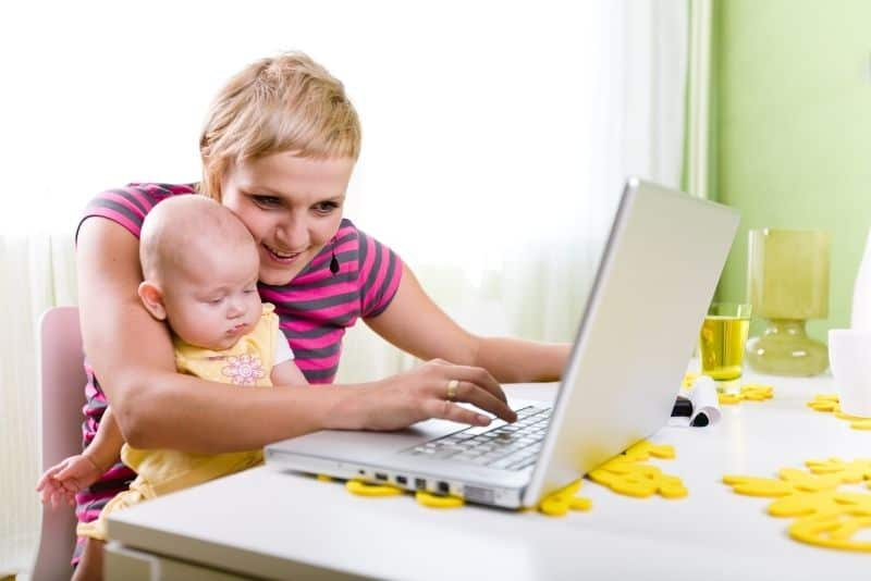how to get a free laptop mom with baby
