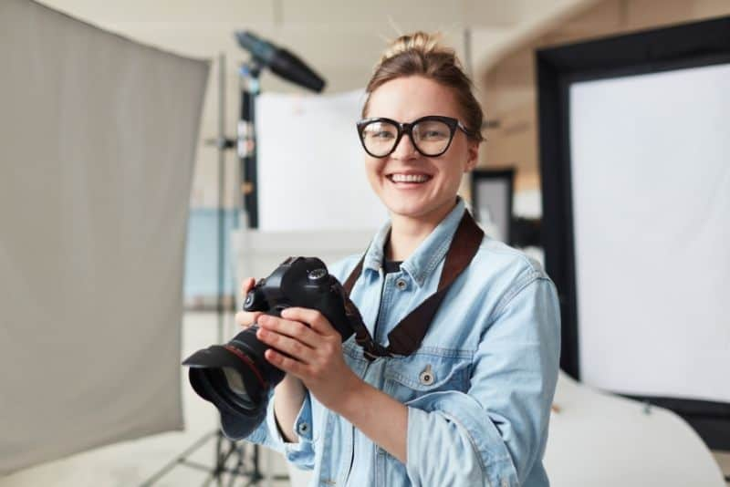 Photography is good to make $2,000 in a month