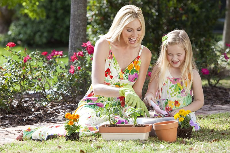 mothers day activities gardening